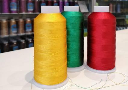 Как выбрать вышивальную нить. Различия между нитками для машинной вышивки.