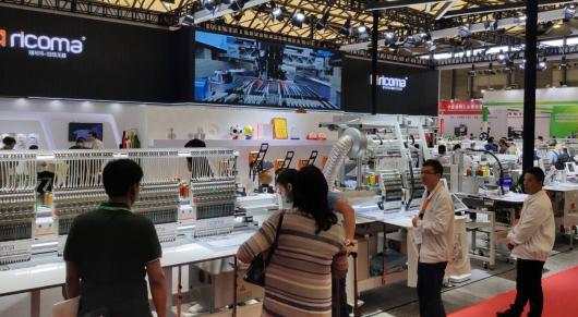 Ricoma Україна на виставці KyivFashion 2020, вишивальні машини, термопреси, вишивальні нитки.